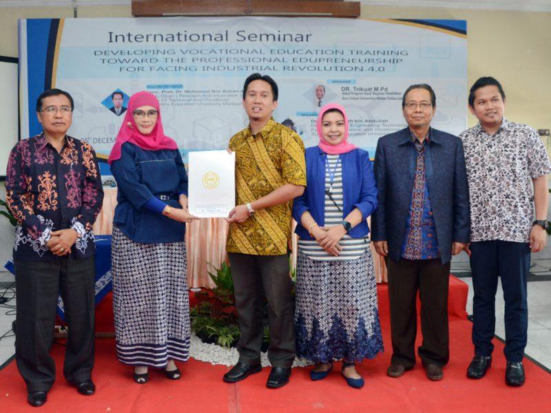 AKS-AKK Yogyakarta Adakan Seminar Internasional