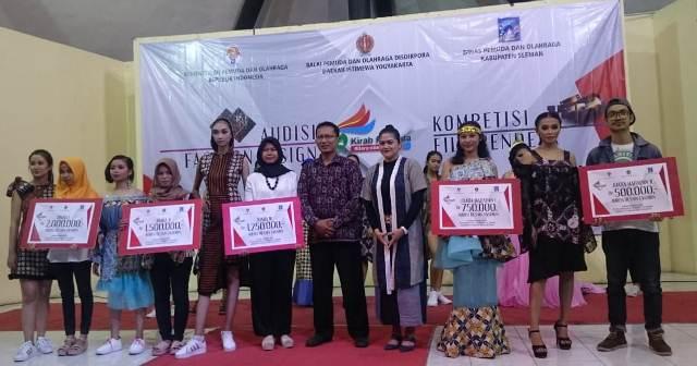 Eksistensi Mahasiswi Prodi Tata Busana Di Lomba Fashion Design Kirab Pemuda 2018